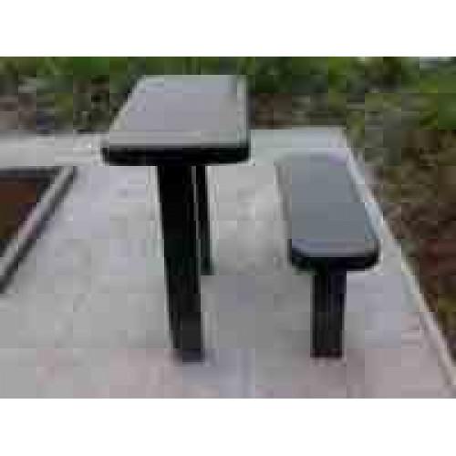 Стол и лавка с закругленными углами